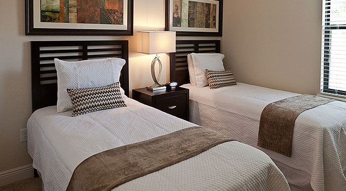 Inspiring Guest Bedrooms With Twin Beds Gallery - Best idea home .