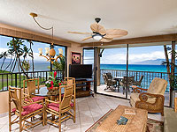 PAP 200x150 Room 1BDR Oceanfront Living Room
