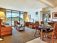 SUN 200x150 Room 2BDR Diamond Head View Suite Living and Dining Area