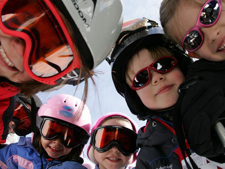 Thumbnail Kids Ski/Ride Free Lakeland Village Kids skiing